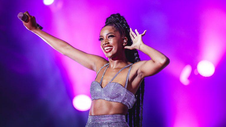 Parador: Iza confirmada no Carnaval do Recife em festa de atores globais.