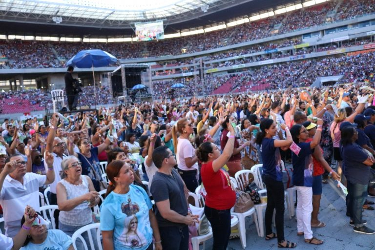 Arena de Pernambuco recebe celebração de 30 anos da Obra de Maria