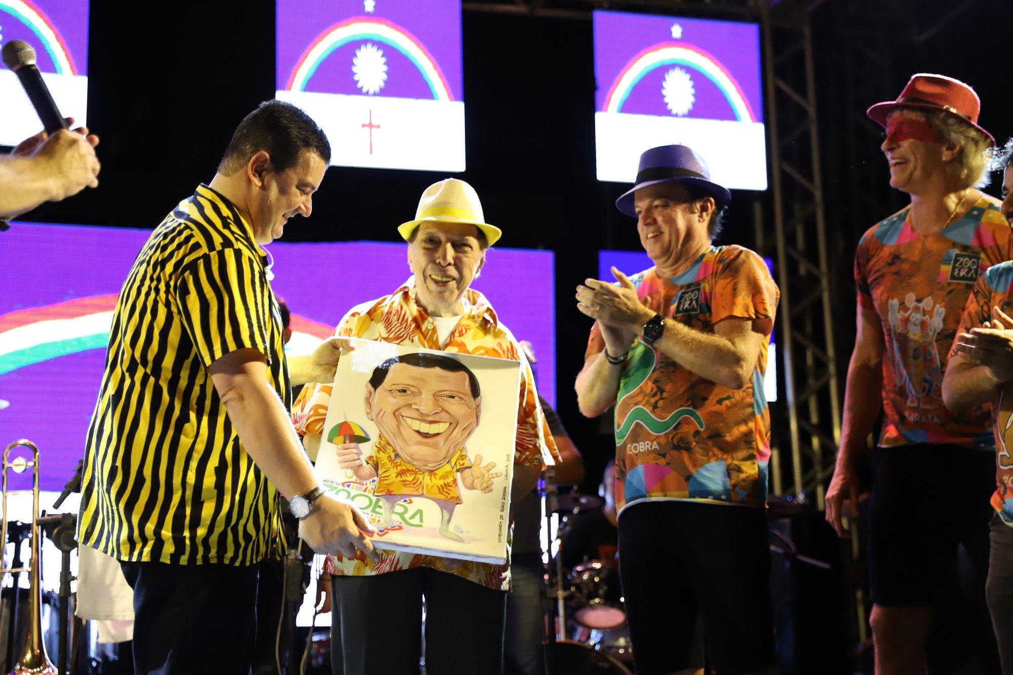 5º Bloco Zooêra foi marcado por homenagens a ícones da cultura Pernambucana