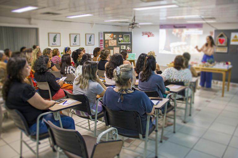 Ferreira Costa promove evento sobre Cores e Tendências