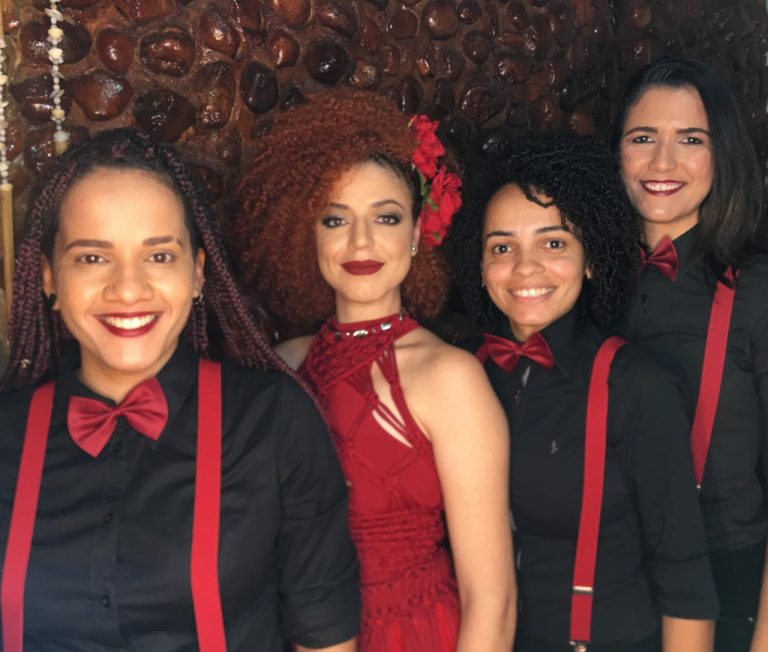 Projeto Lua Costa canta Vanessa da Mata no Taca Mais Música