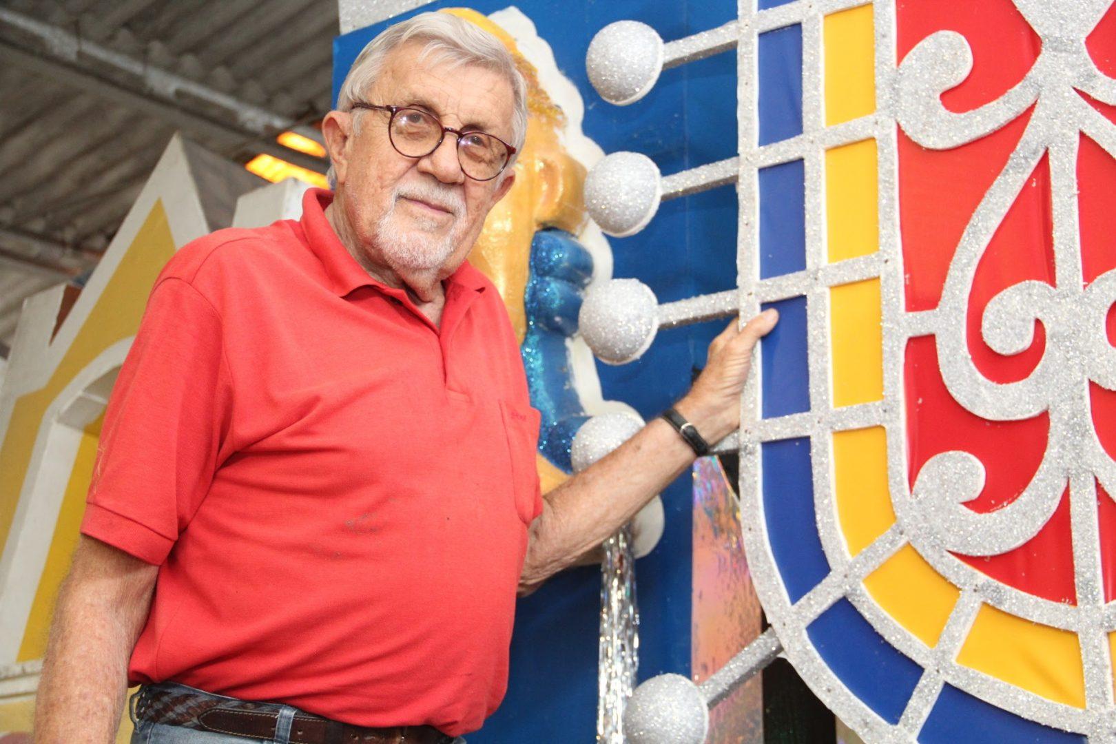 Galo da Madrugada perde Ary Nóbrega artista responsável pelos desenhos e confecção dos carros alegóricos do bloco