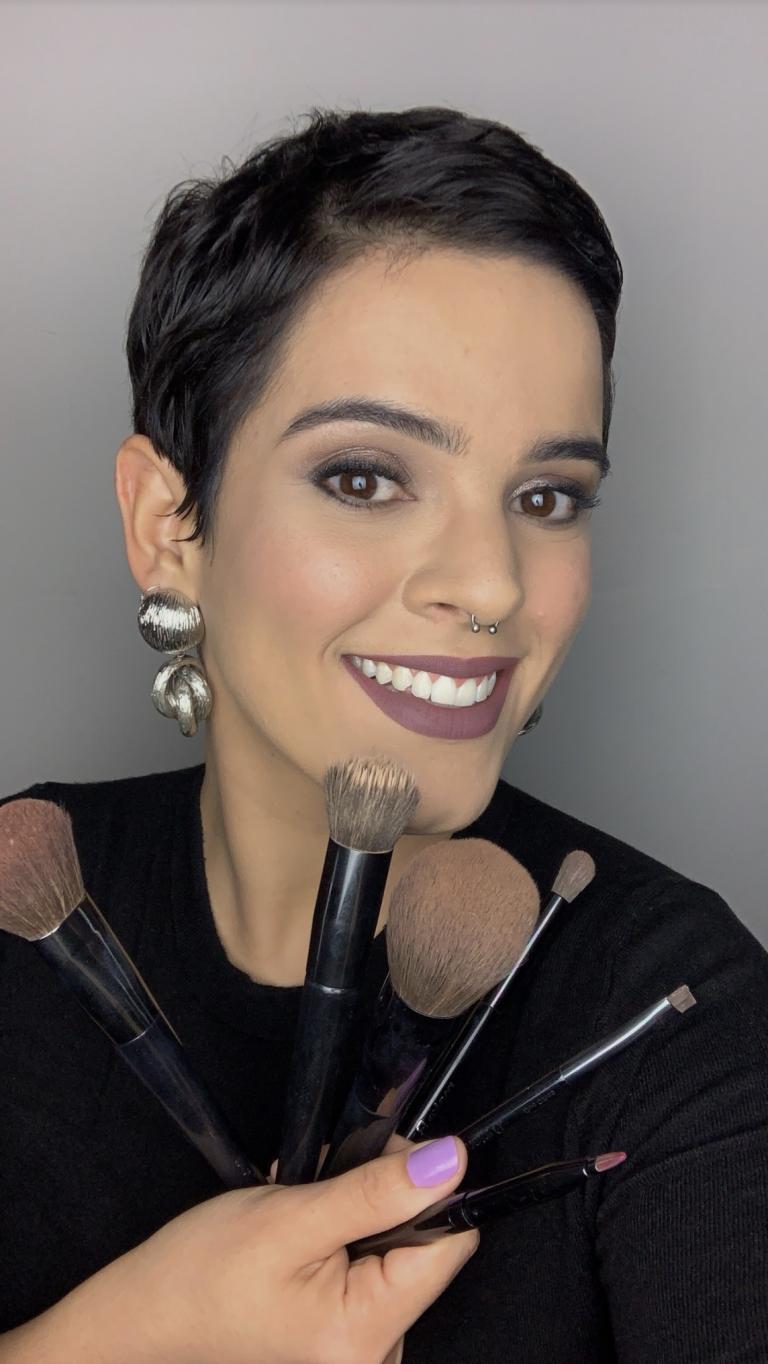 Higiene dos pincéis de maquiagem é importante para a saúde e duração dos produtos na pele