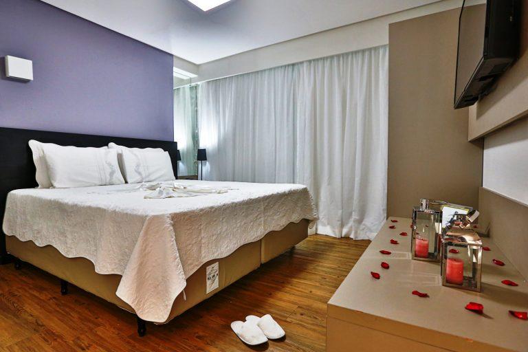 Hotel Ramada oferece jantar especial e diárias de hospedagem para celebrar o Dia dos Namorados