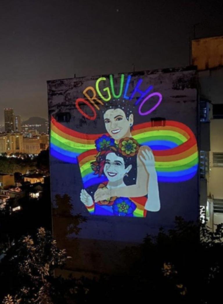 Parada nas Paredes: gigantescas projeções iluminaram o Brasil com as cores do arco-íris no Dia do Orgulho LGBTQIA+