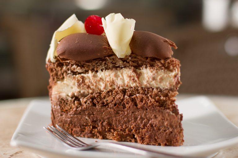 Maior rede de bolos artesanais do Brasil, Sodiê Doces abre primeira loja no Recife