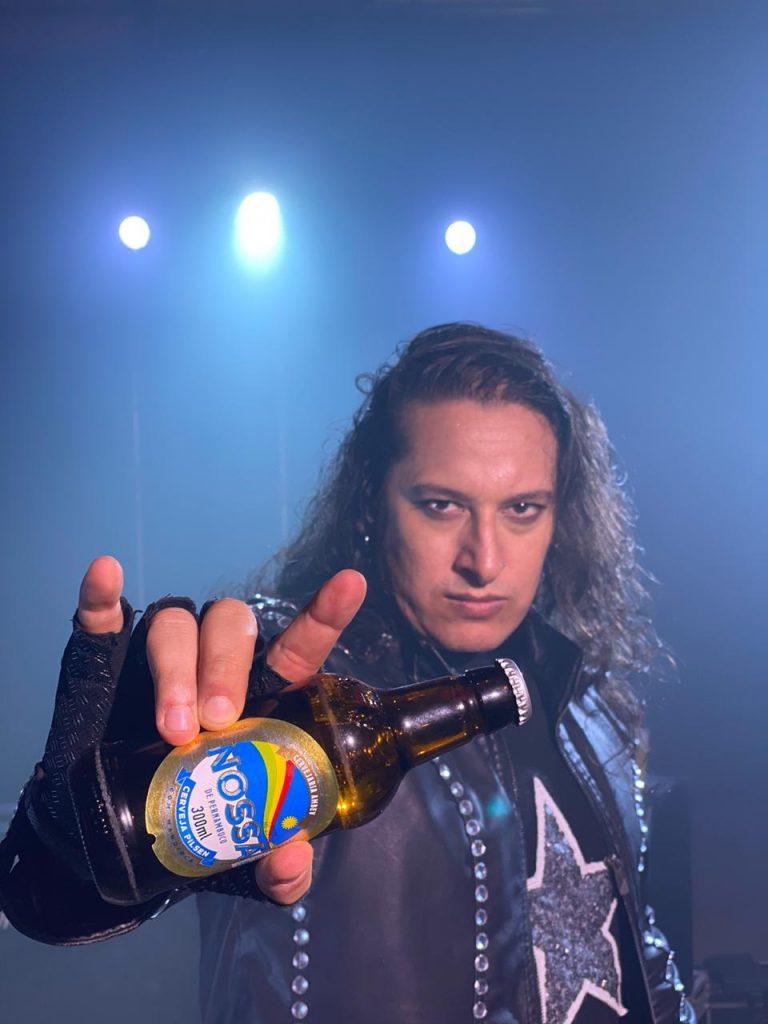 Cerveja Nossa apresenta 'maior roqueiro em linha reta'