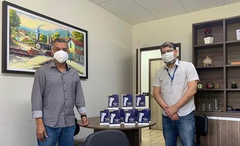 Faculdade de Medicina doa termômetros digitais a Goiana