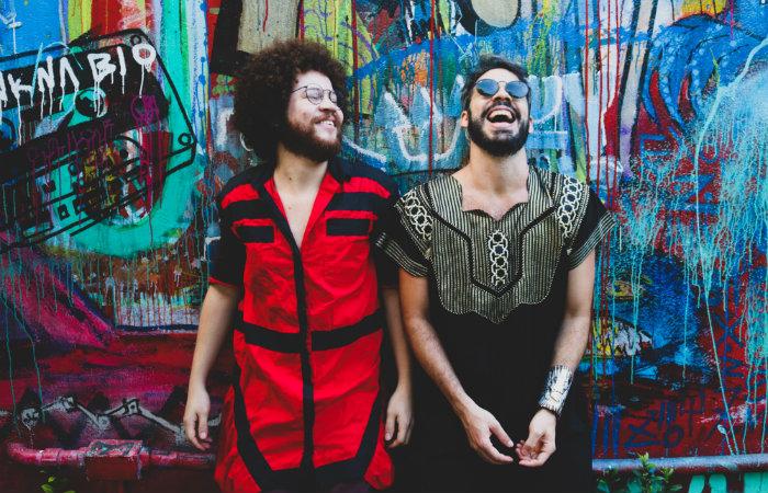 Almério e Martins realizam show em formato drive in, no Go Dream, neste sábado, (15)