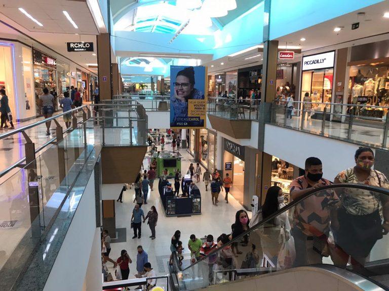 Shopping Tacaruna oferece até 64% de desconto na Semana do Brasil