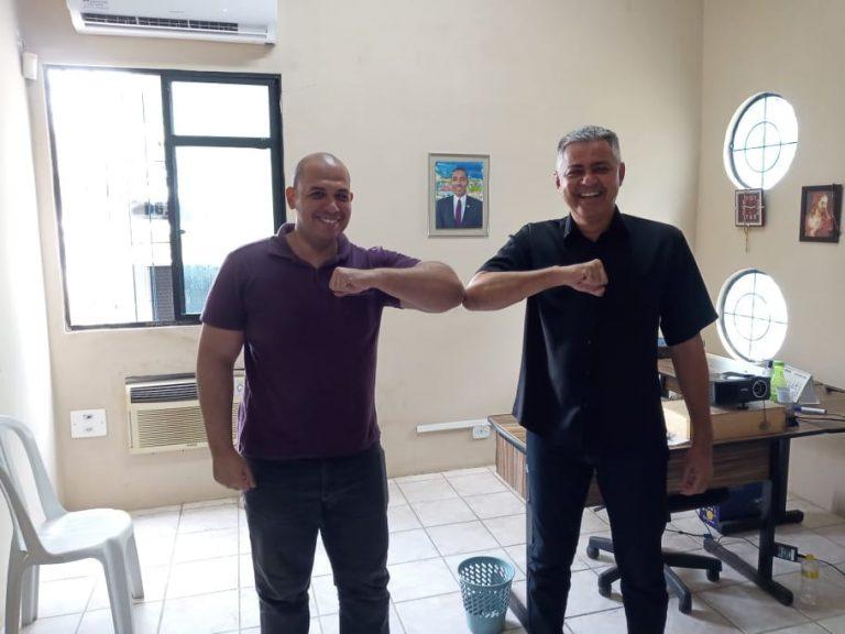 O Produtor Cultural Kelmer Luciano visita o Secretário de Esportes de Olinda para discutir ações de desenvolvimento voltadas ao público Infanto-Juvenil e toda Família.