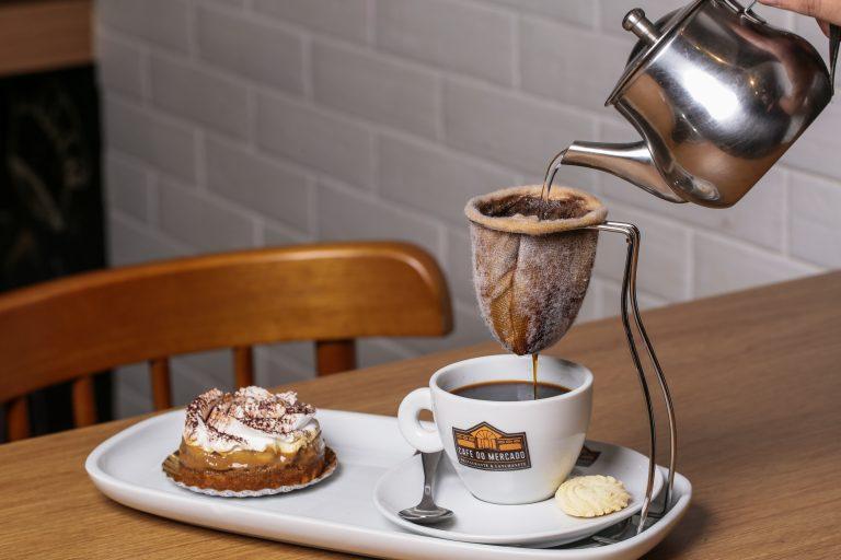 Um cafezinho, por favor!