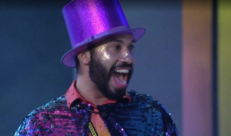 Festa Rainbow: makes inspiradas no tema arco-íris com muito brilho e cheias de vigor