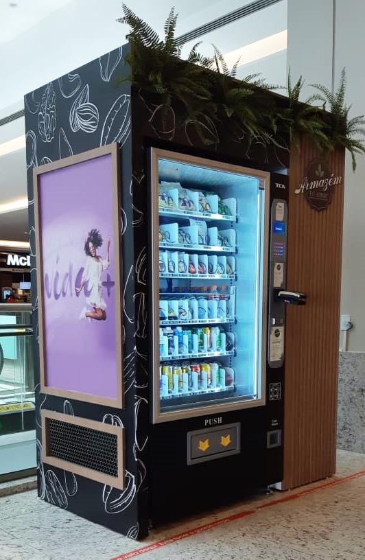 Máquina de comida saudável chega ao Shopping Patteo Olinda
