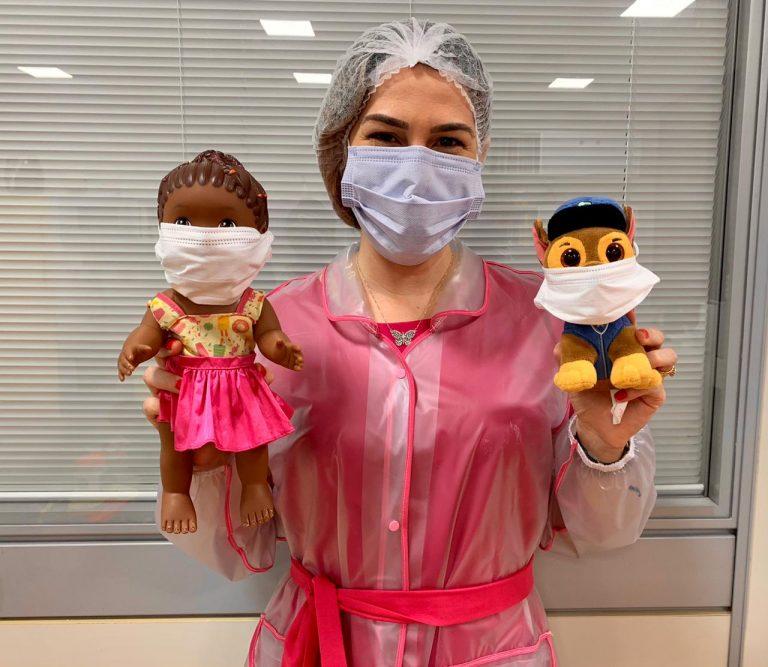 Covid: com aumento de casos com crianças, médica tem incentivado uso da máscara de forma lúdica