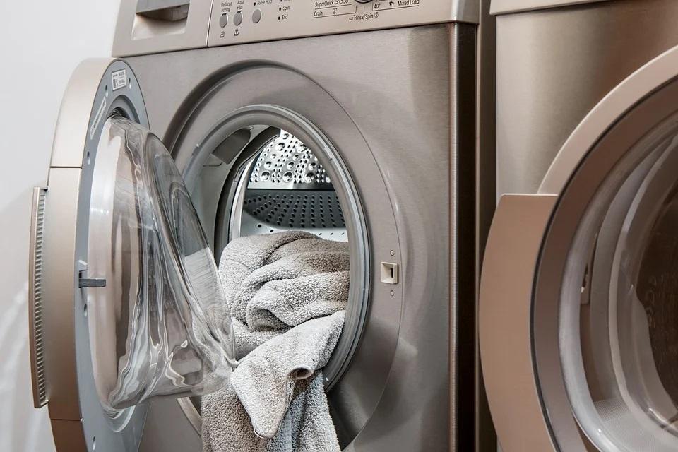 Qual a frequência para lavar as peças de roupas e itens de casa?