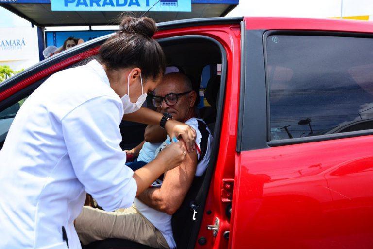 Camará Shopping vira ponto de vacinação drive-thru contra Covid-19 em Camaragibe