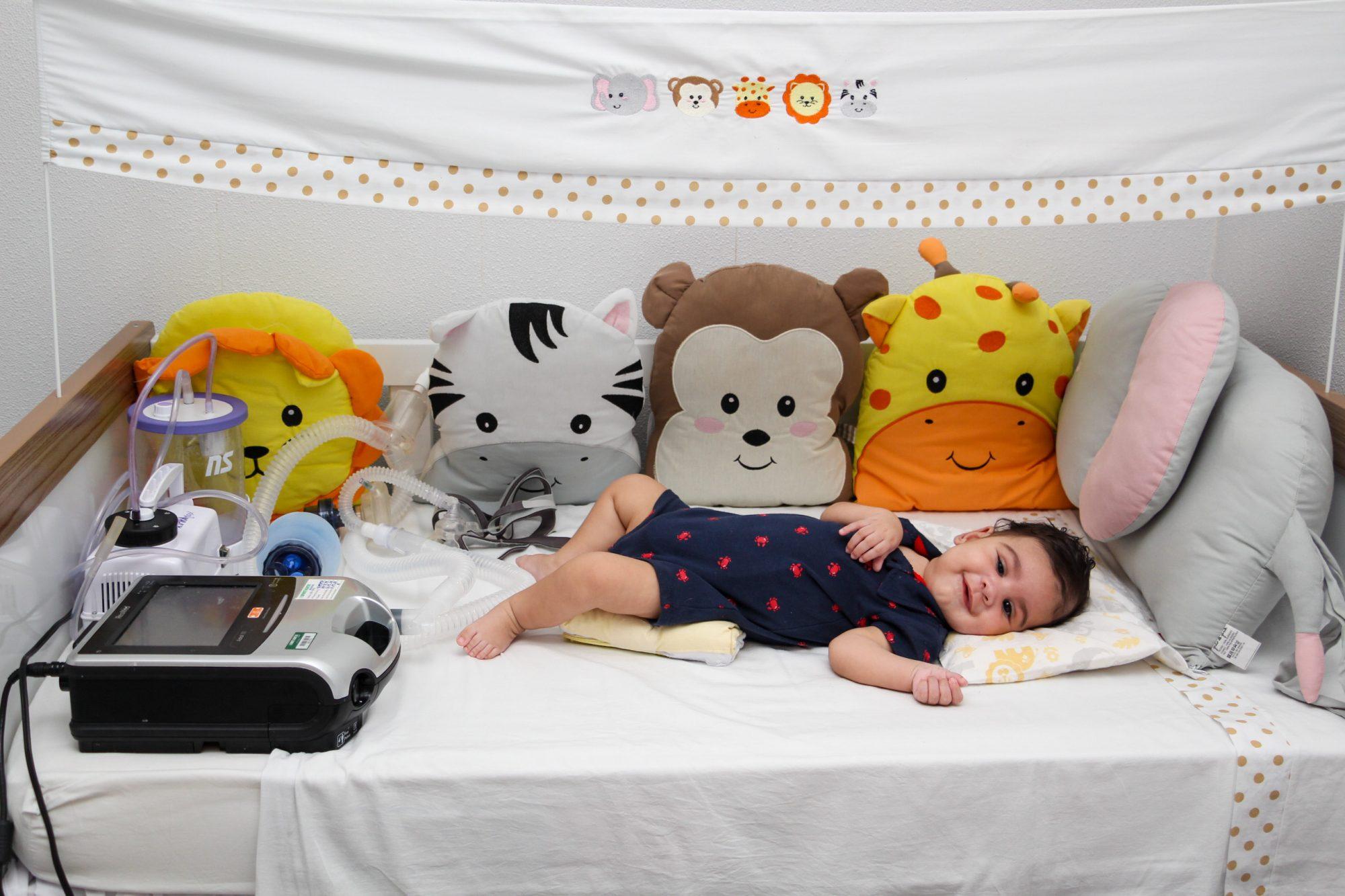 Família de bebê busca arrecadar R$12 milhões para tratar doença rara