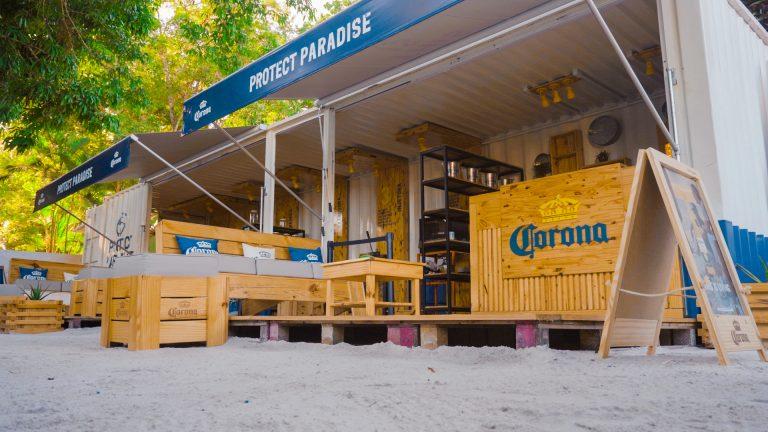Cerveja Corona instala ponto de coleta de plástico para reciclagem em Noronha