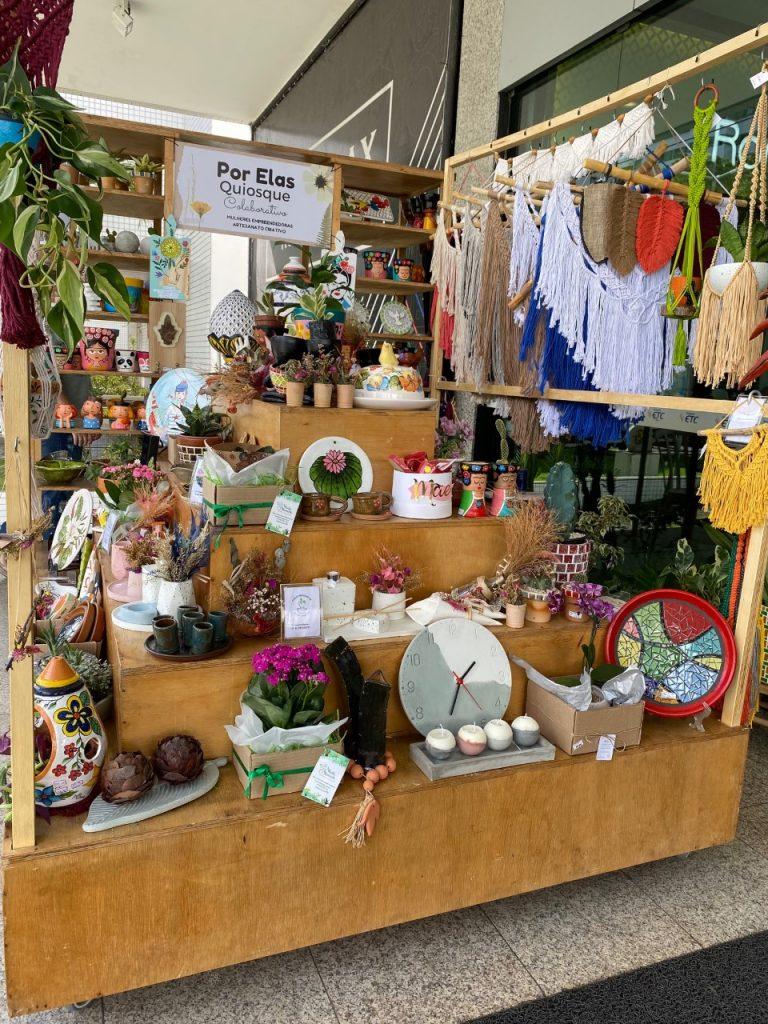 Mulheres se unem para ação colaborativa de produtos artesanais
