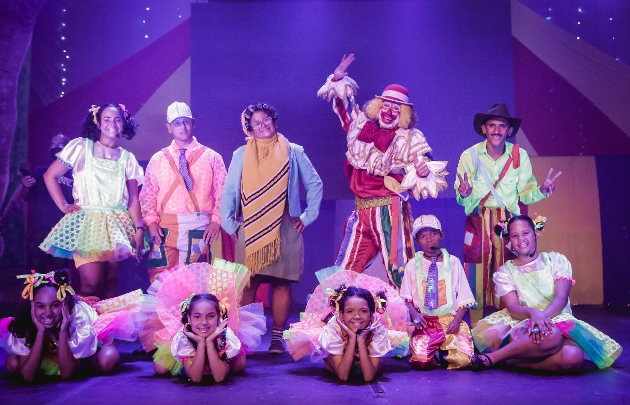 Espetáculo infantil 3 Atos em 4 Tons estreia virtualmente com elenco formado por crianças participantes de projeto social