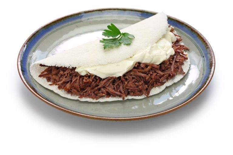 Mandioca é ingrediente para pratos da gastronomia pernambucana