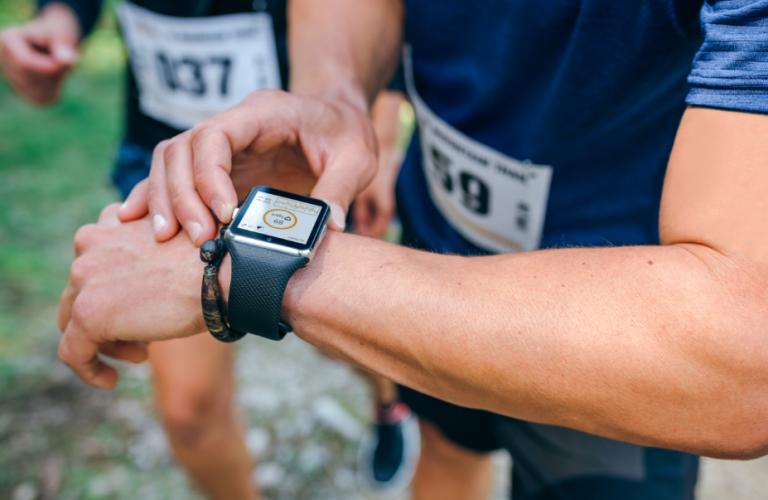 Tecnologia – relógio também monitora a saúde